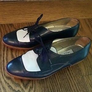 Vintage Joan &David blue/white shoes